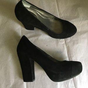 Black soft heels ❌firm